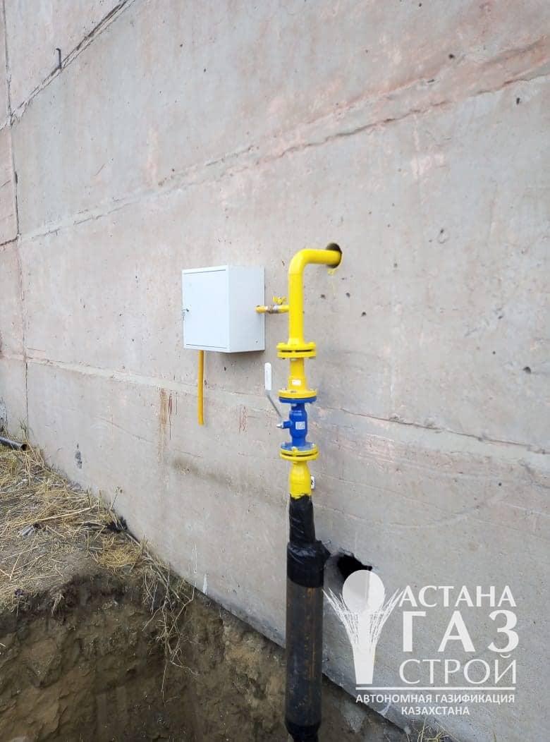 Цокольный ввод газопровода в помещение с шаровым краном и ИФС